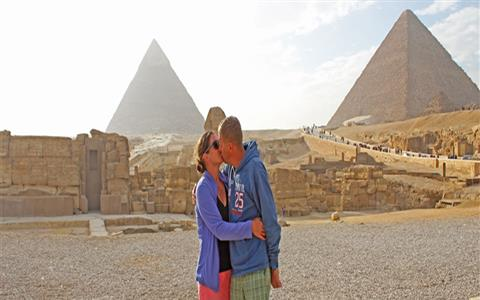 Day Tour to Pyramids and the Egyptian Museum from Port Said